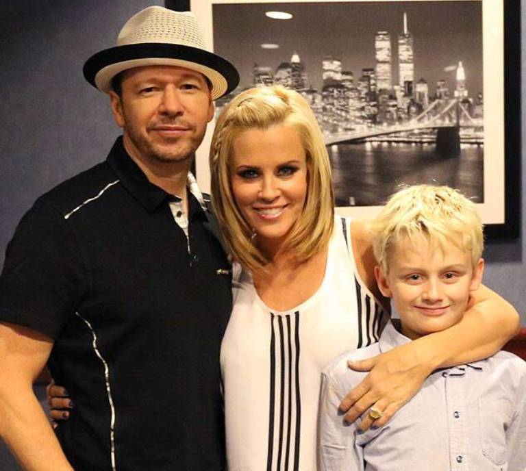 Donnie Wahlberg Net Worth, Wife – Jenny McCarthy, Siblings and Kids