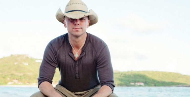 Is Kenny Chesney Gay, What Is His Net Worth, Wife, Age, Height?
