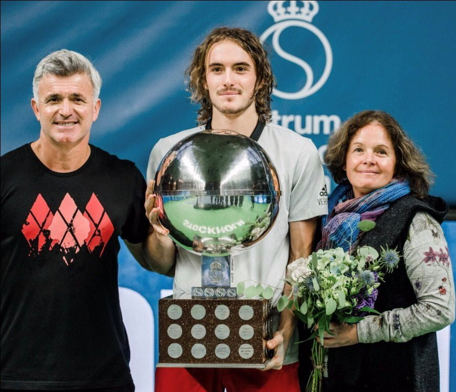 Stefanos Tsitsipas Bio, Age, Girlfriend, Family Life of The Greek Tennis Player