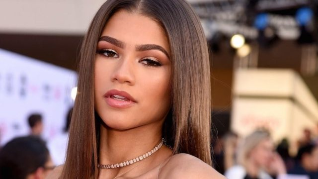 Zendaya's Height, Weight, And Body Measurements