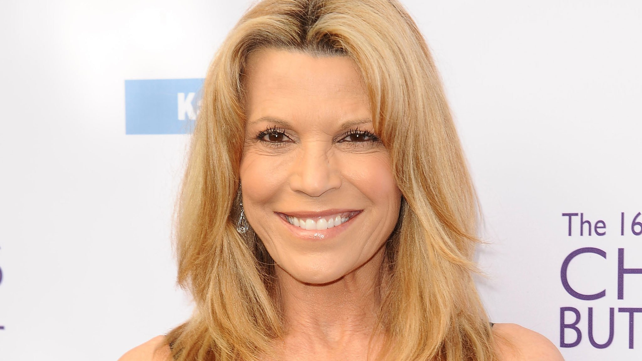 Vanna White Salary, Net Worth, Married, Children, Husband, Family, Bio