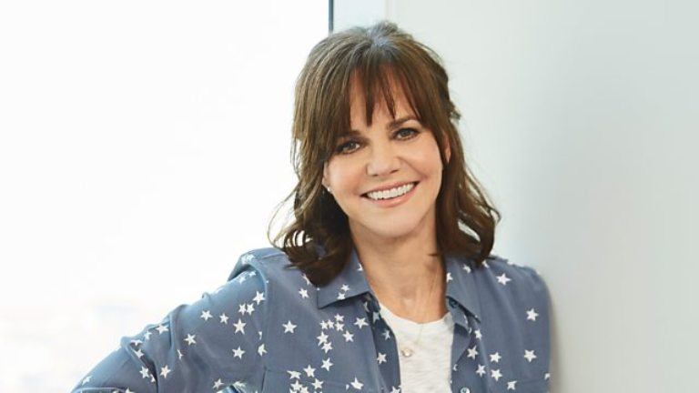 Sally Field Bio, Age, Death, Net Worth, Children, Height, Married, Husband