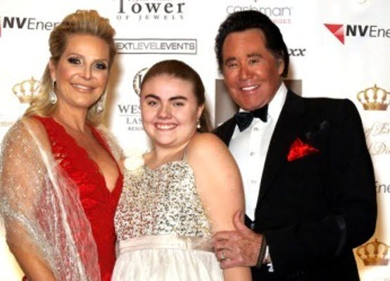 Wayne Newton Net Worth, Age, Plastic Surgery, Wife, Daughters, Is He Gay?