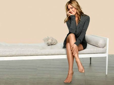 Jennifer Aniston's Height, Weight And Body Measurements