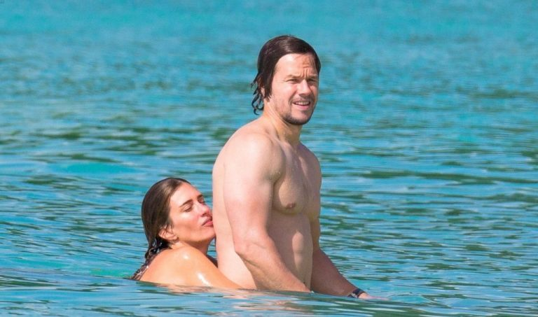 Mark Wahlberg Wife, Sister And Brother