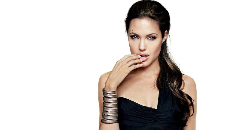 Angelina Jolie's Height, Weight And Body Measurements