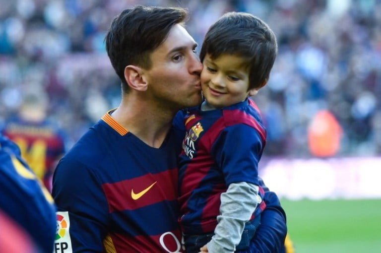 Lionel Messi's Wife, Son, Girlfriend And Family
