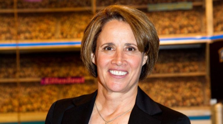 Mary Carillo Gay or Lesbian, Married, Partner, Children