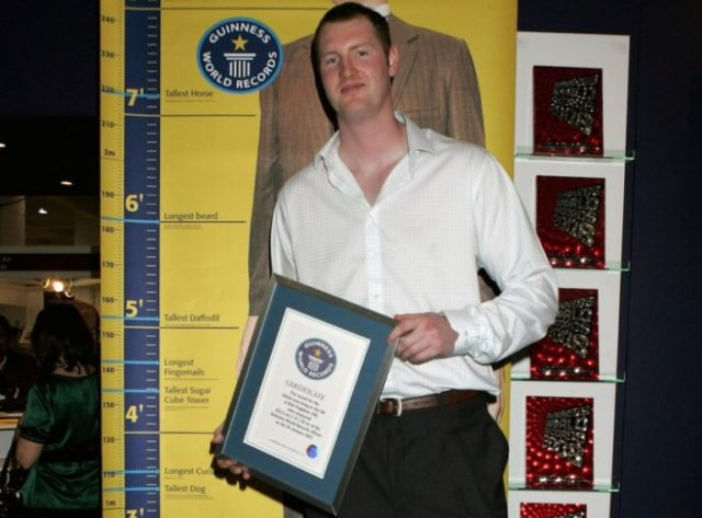 Neil Fingleton's Height, Weight And Body Measurements