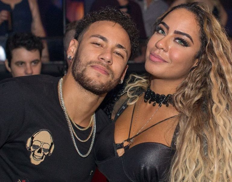 Neymar Girlfriend, Relationships, Wife, Son And Sister