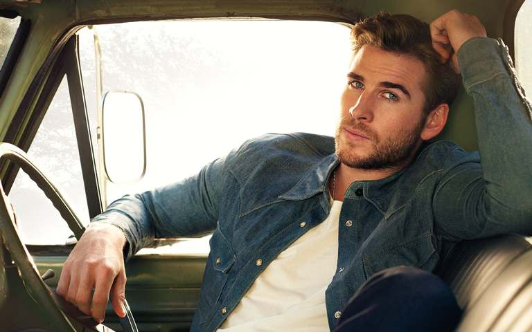 Liam Hemsworth's Height, Weight And Body Measurements