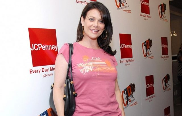 Meredith Salenger Married, Husband, Measurements, Wiki