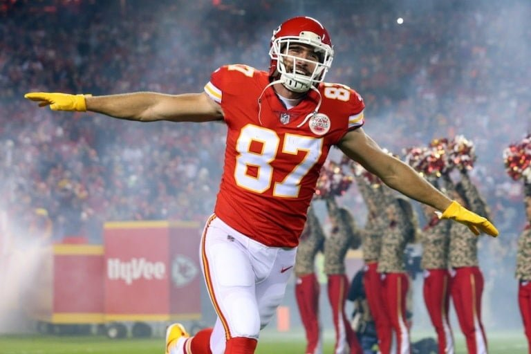 Travis Kelce – Bio, Girlfriend, Wife, Brother, Height, Weight